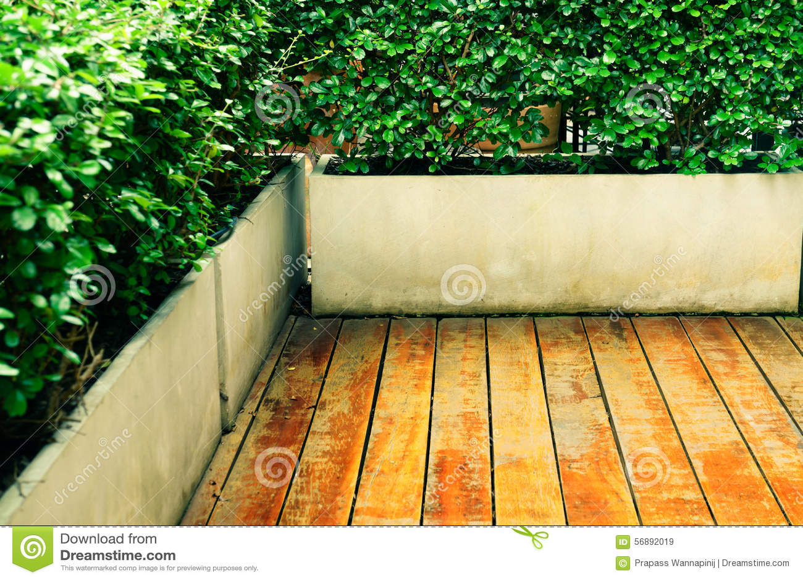 Pavimento di legno d annata all aperto