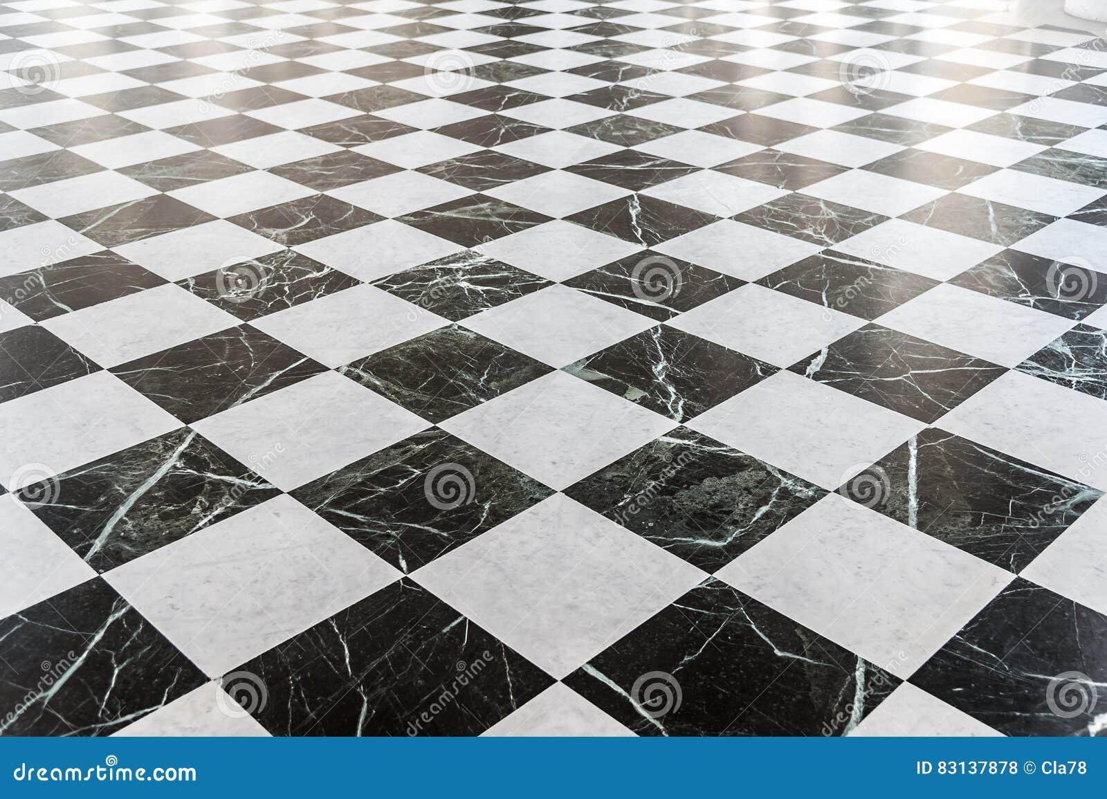 Pavimento di marmo a quadretti in bianco e nero fotografia for Pavimento bianco e nero