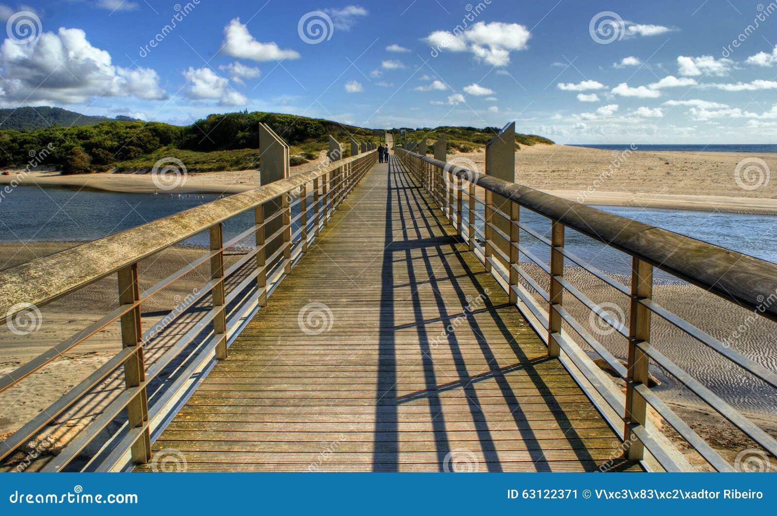Pawn bridge in Vila Praia de Ancora