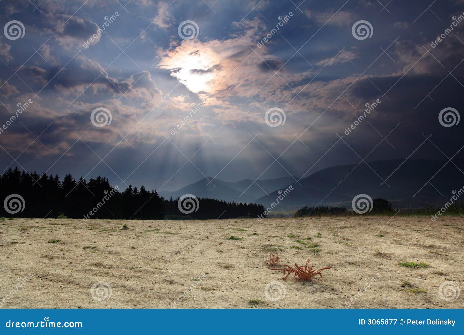 Pays sec attendant une tempête