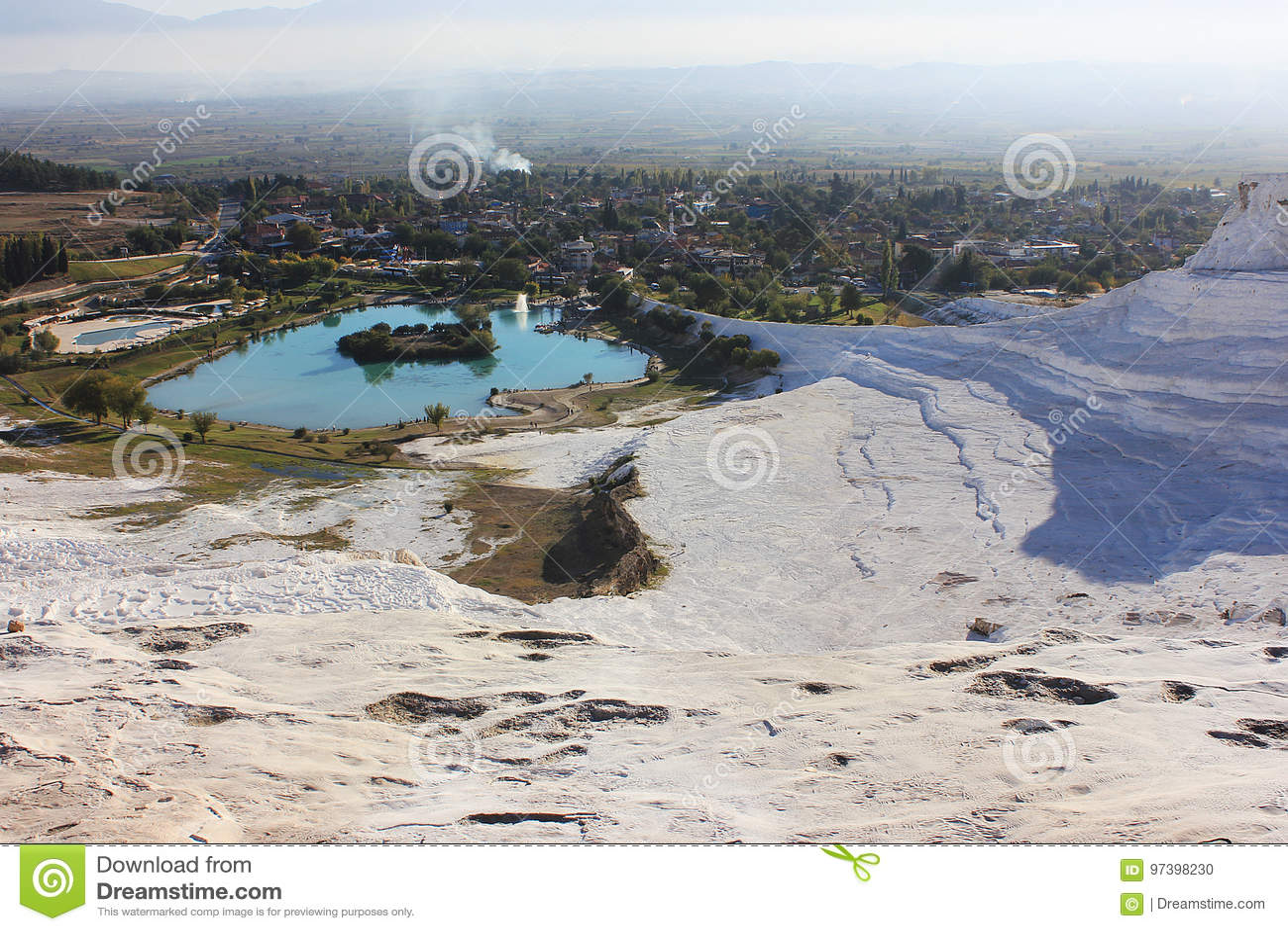 Paysage blanc de Pamukkale dans Denizli Turquie