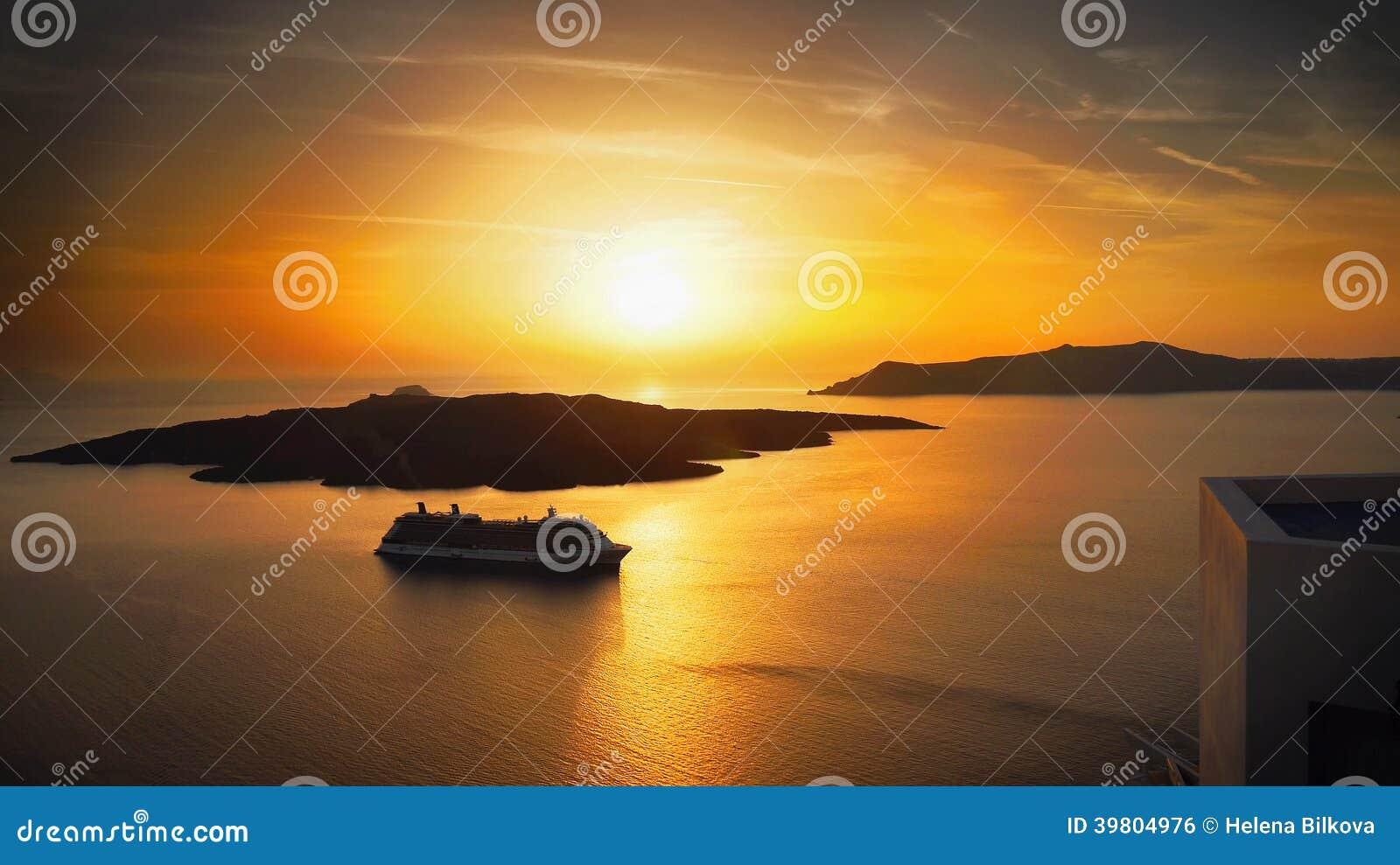 Paysage d îles de coucher du soleil