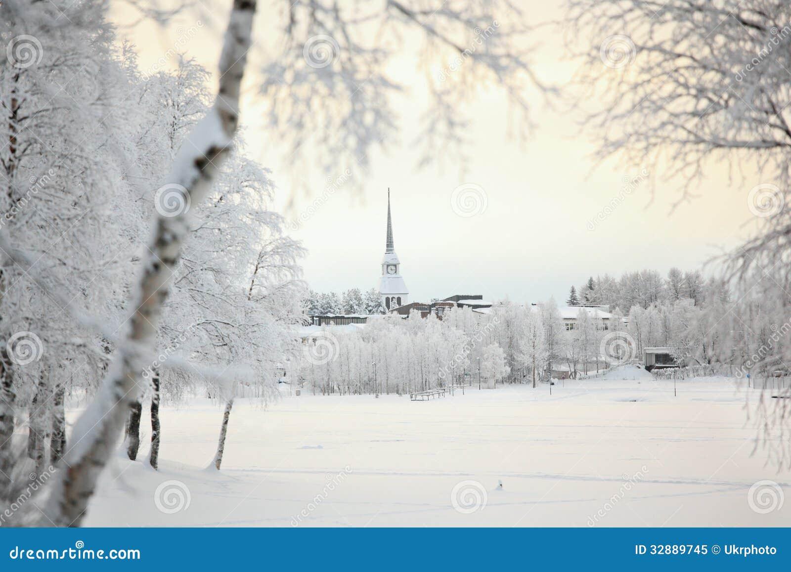 paysage d 39 hiver en finlande image stock image 32889745. Black Bedroom Furniture Sets. Home Design Ideas