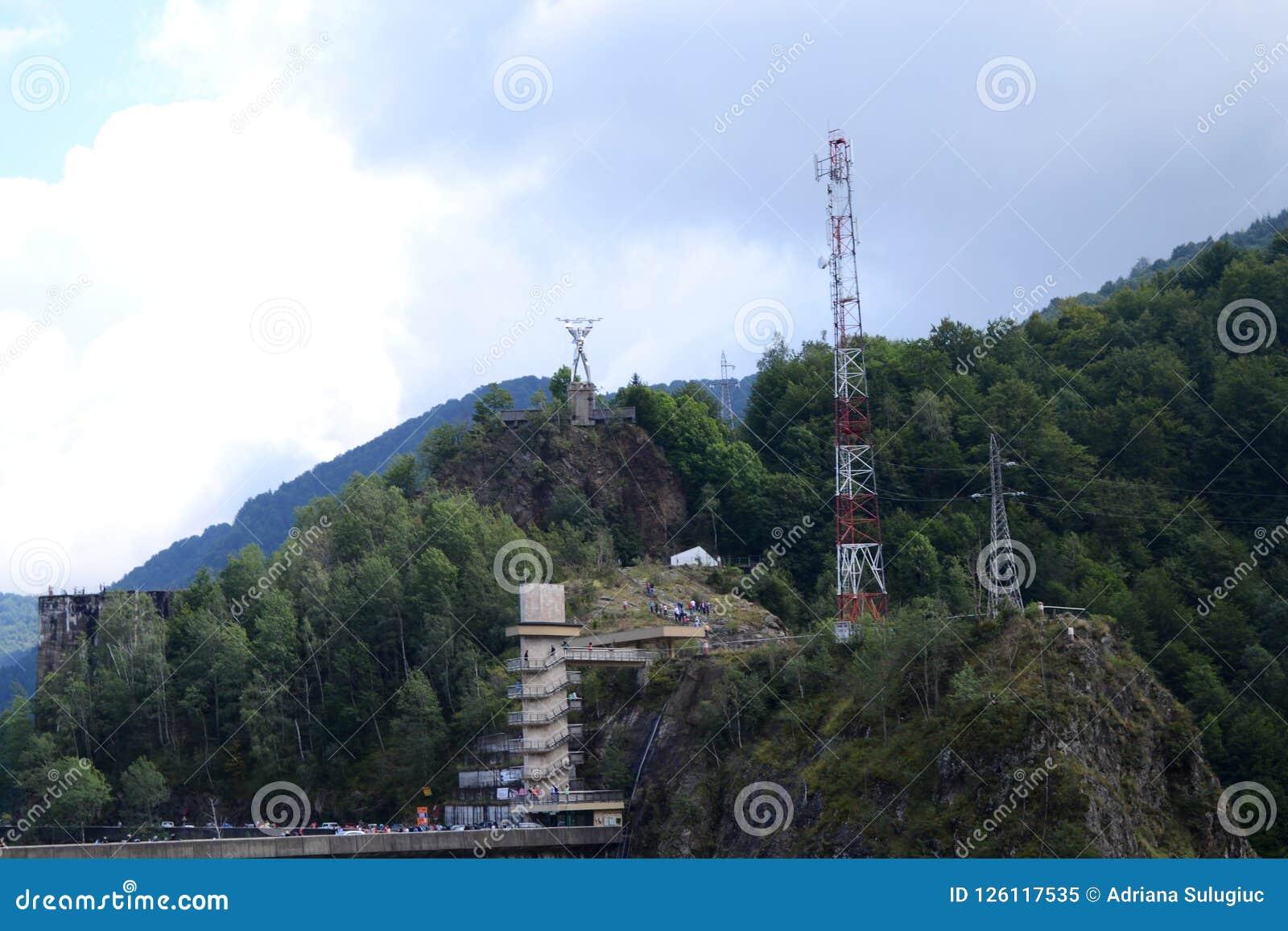 Paysage de barrage de Vidraru et d homme de l électricité