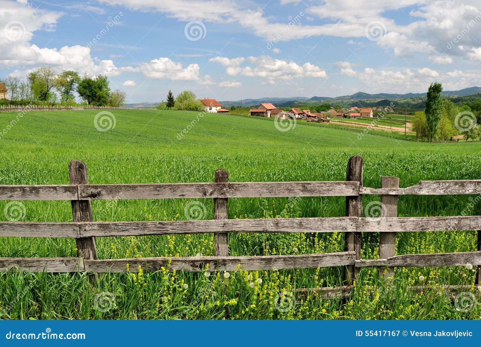 paysage de campagne et barri re en bois image stock image 55417167. Black Bedroom Furniture Sets. Home Design Ideas