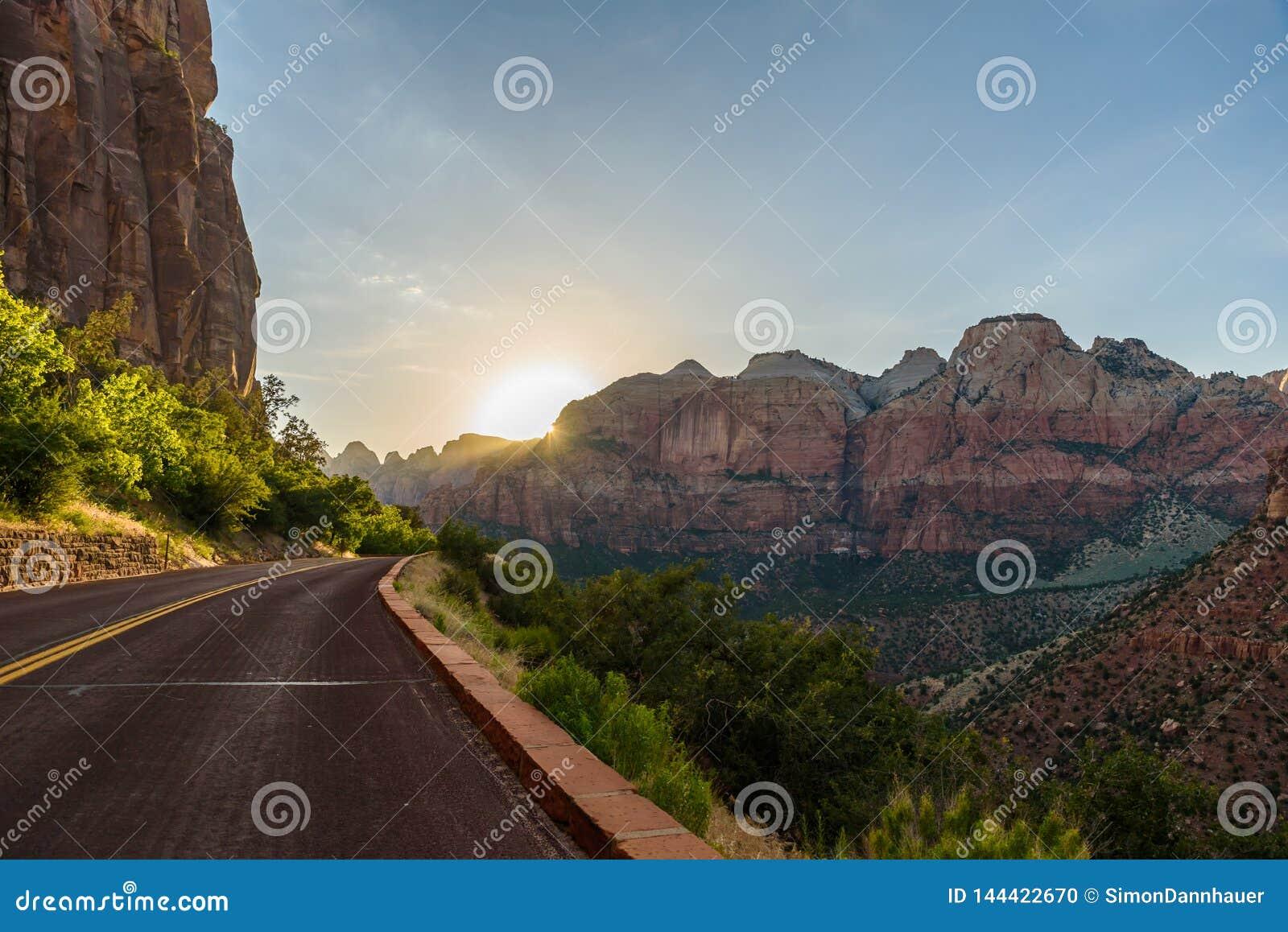 Paysage de paysage chez Zion National Park, belles couleurs de formation de roche en Utah - Etats-Unis