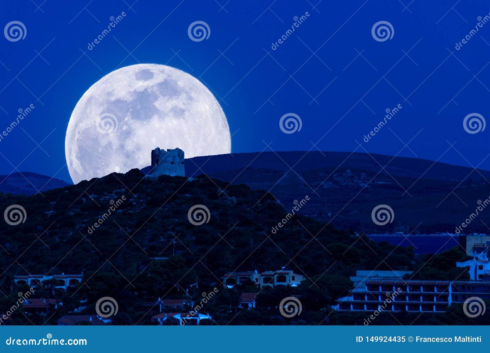 Paysage de la côte la nuit