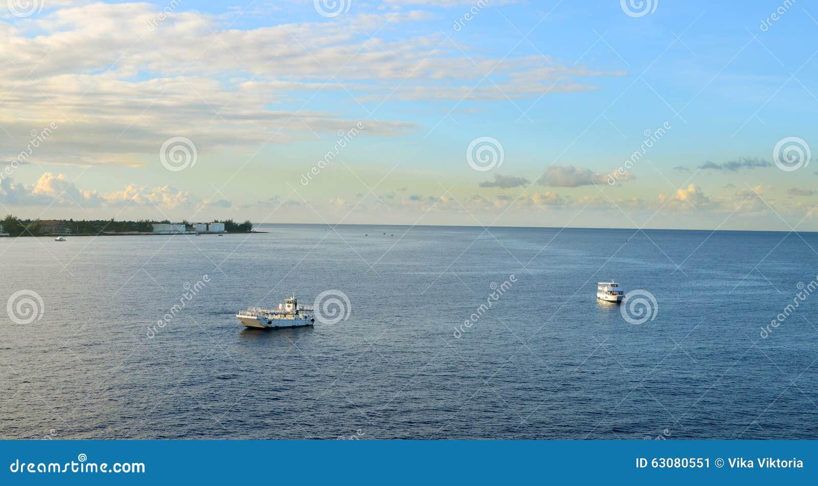 Download Paysage De La Mer Des Caraïbes Image stock - Image du port, horizontal: 63080551