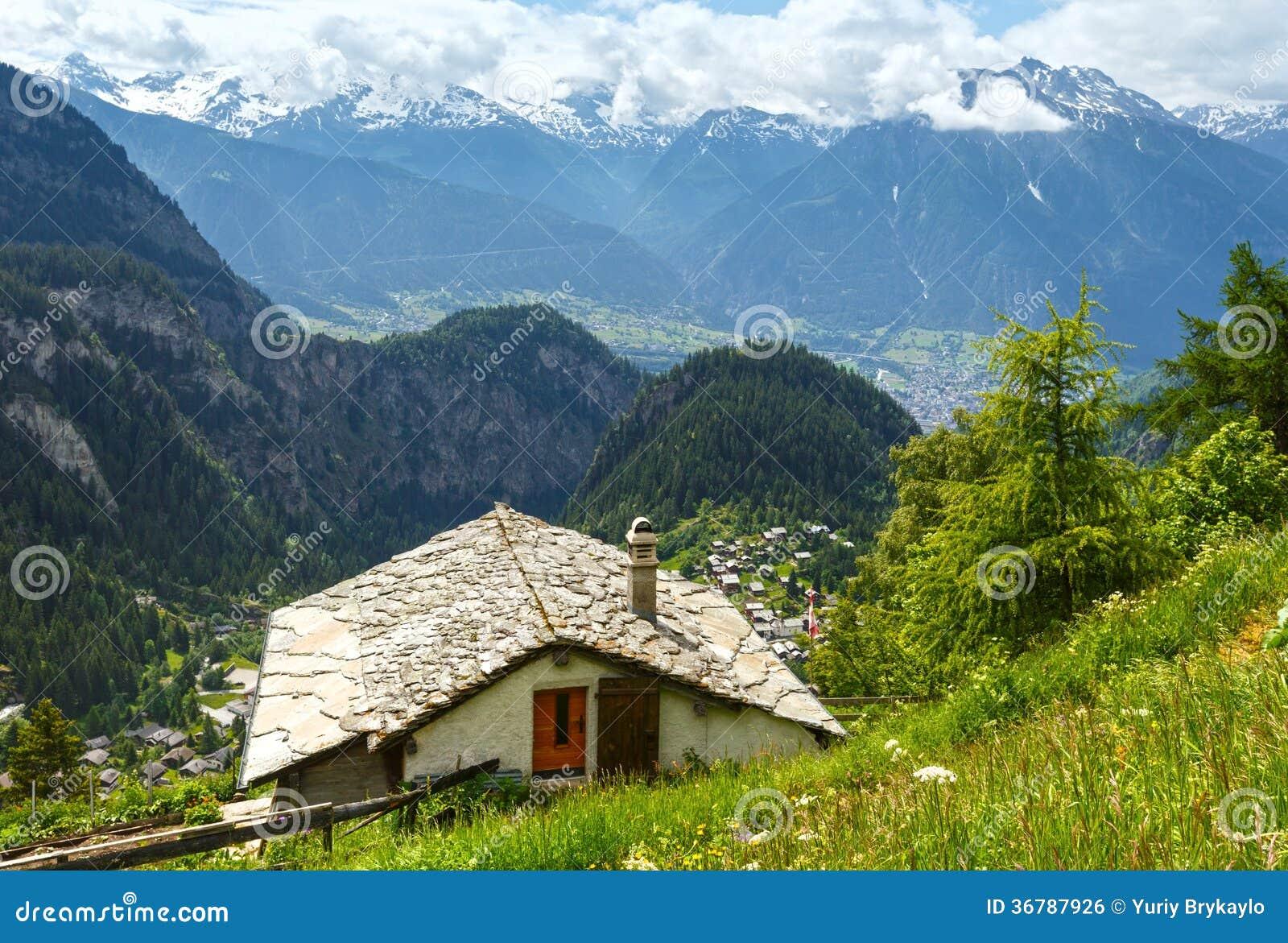 paysage de montagne d 39 t alpes suisse photo stock image du ciel sapin 36787926. Black Bedroom Furniture Sets. Home Design Ideas