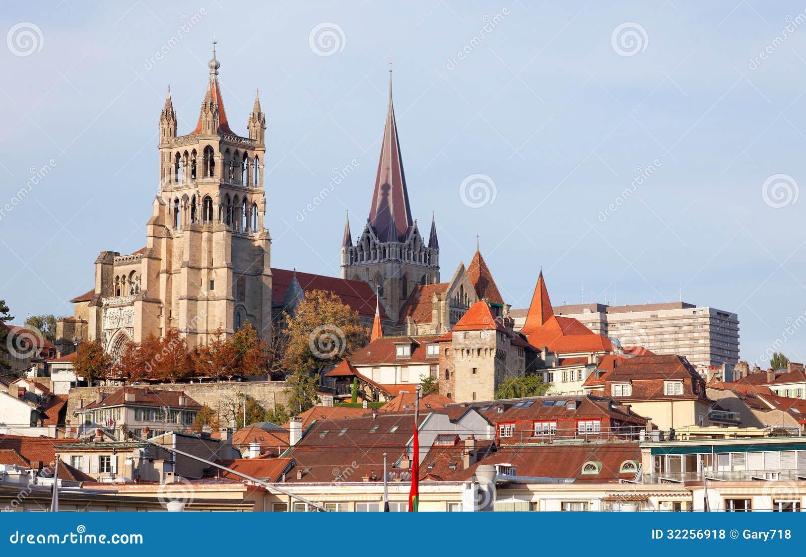 Paysage de ville de lausanne dans l 39 ouest de la suisse for Paysage de ville