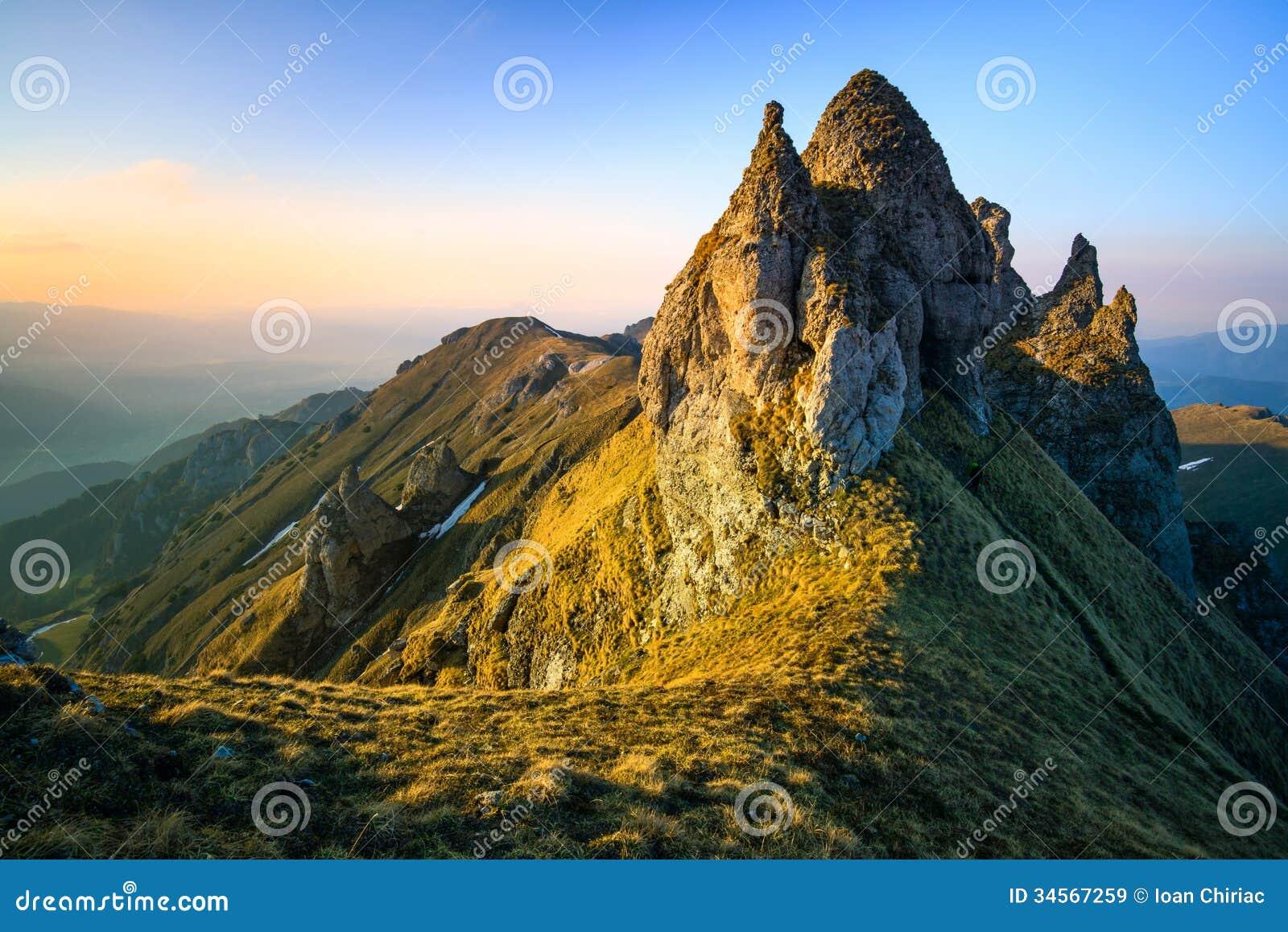 Paysage des montagnes de bucegi en roumanie image stock for Chambre de commerce roumanie