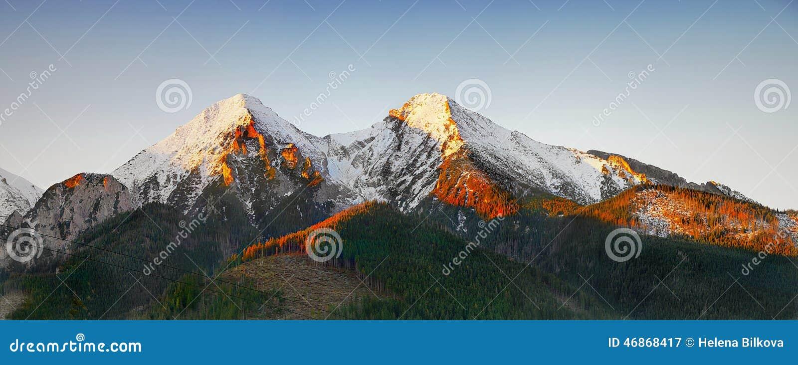 Paysage scénique de montagnes, lever de soleil, Autumn Landscape