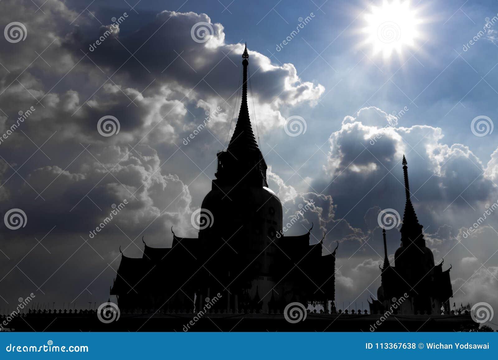 Paysage, statue, grand Guanyin, sur le fond de ciel, belle architecture