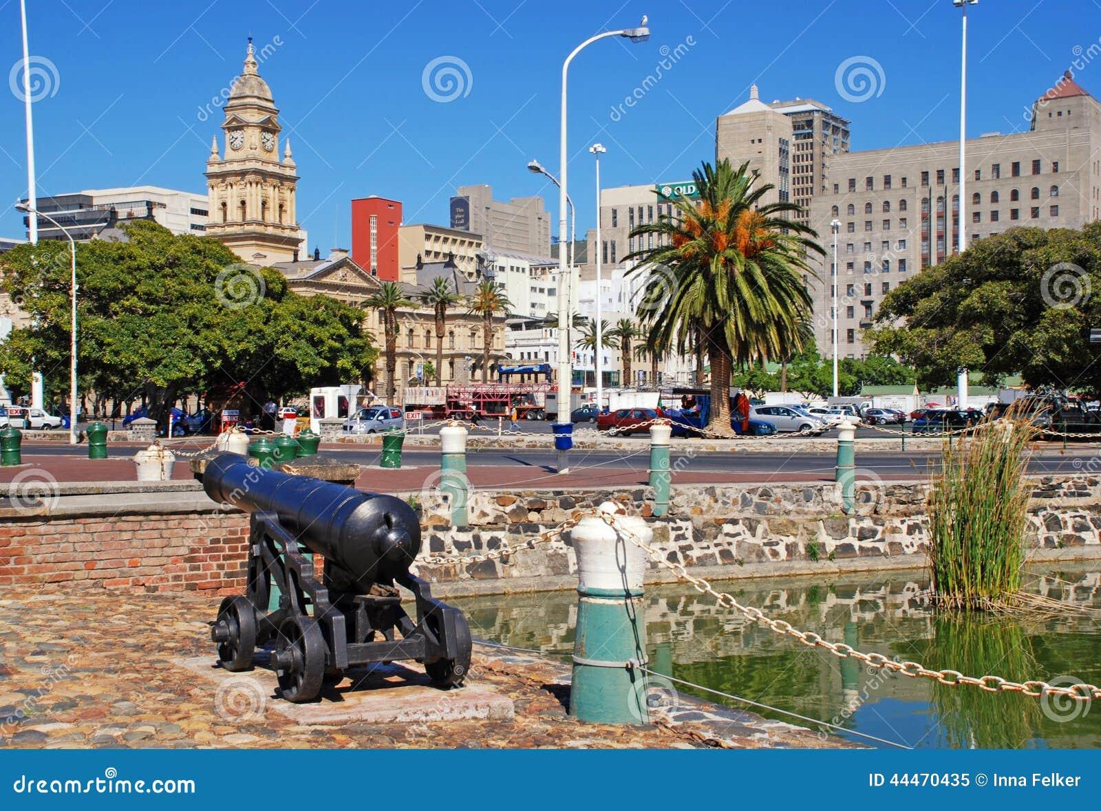Paysage urbain avec la ville h tel de cape town afrique for Piscine des 3 villes hem