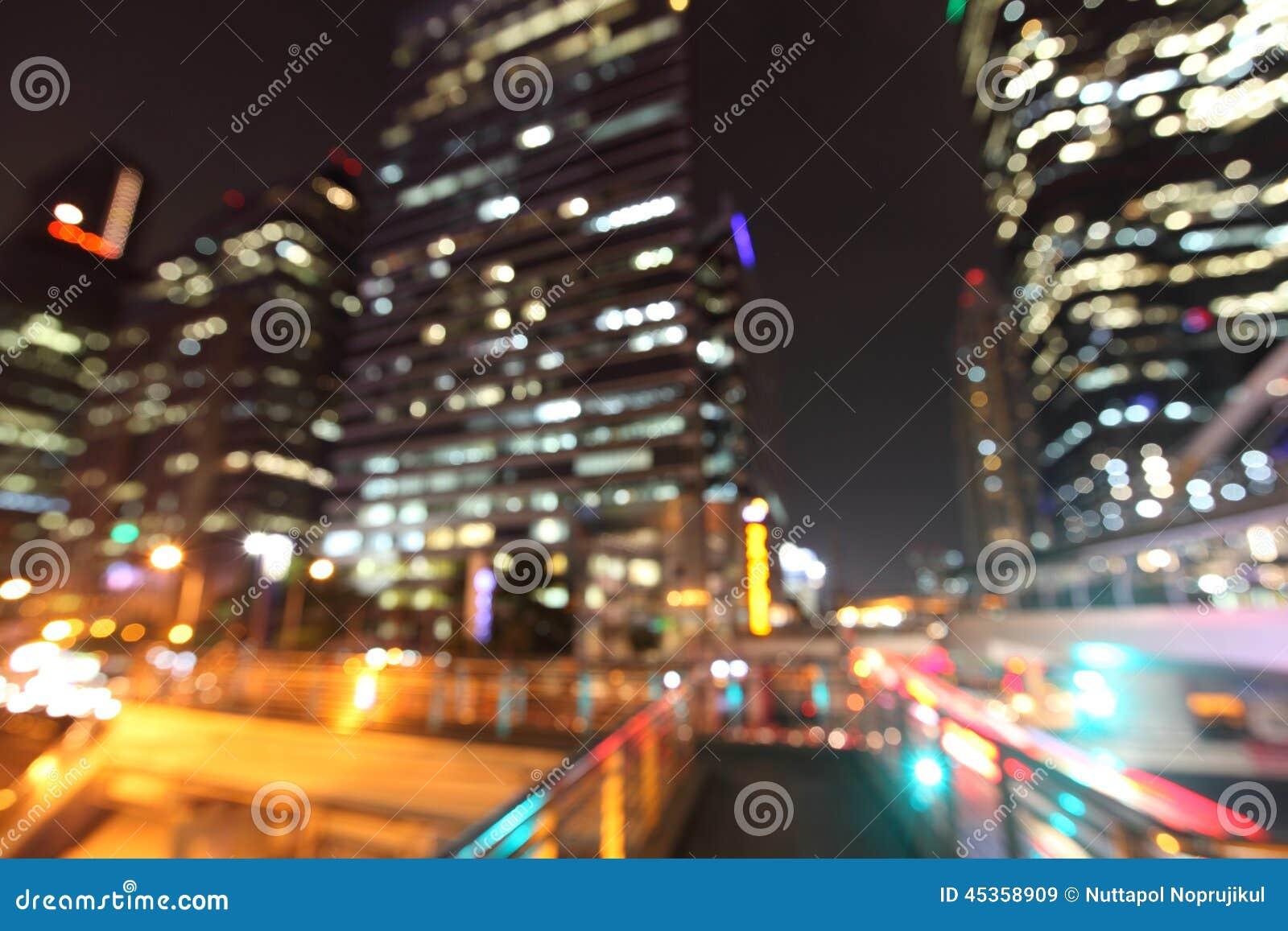 Paysage urbain de Bangkok à la nuit, bokeh brouillé de photo