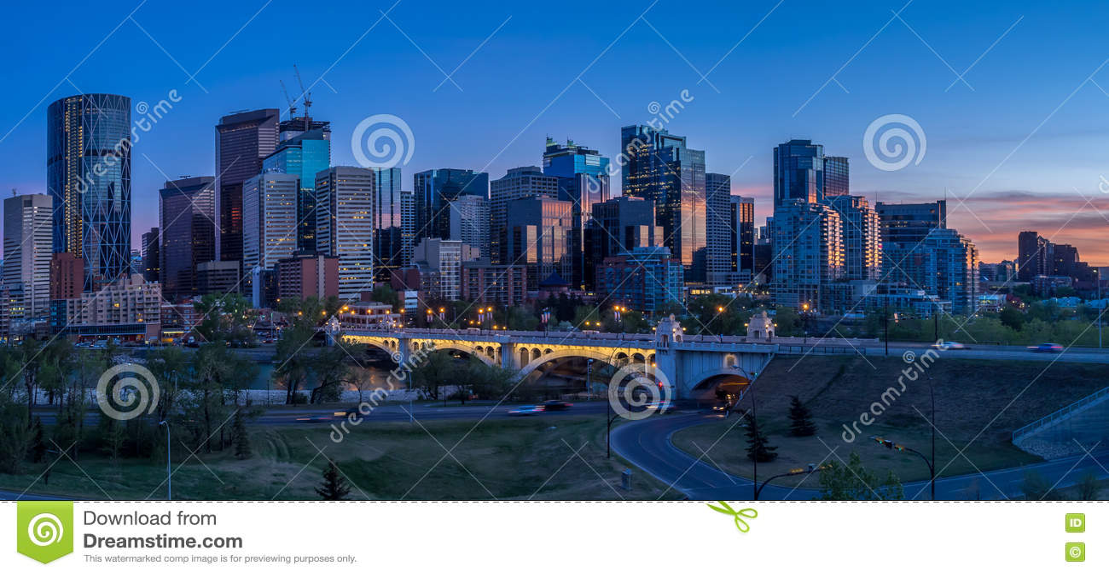 Paysage urbain de nuit de Calgary, Canada