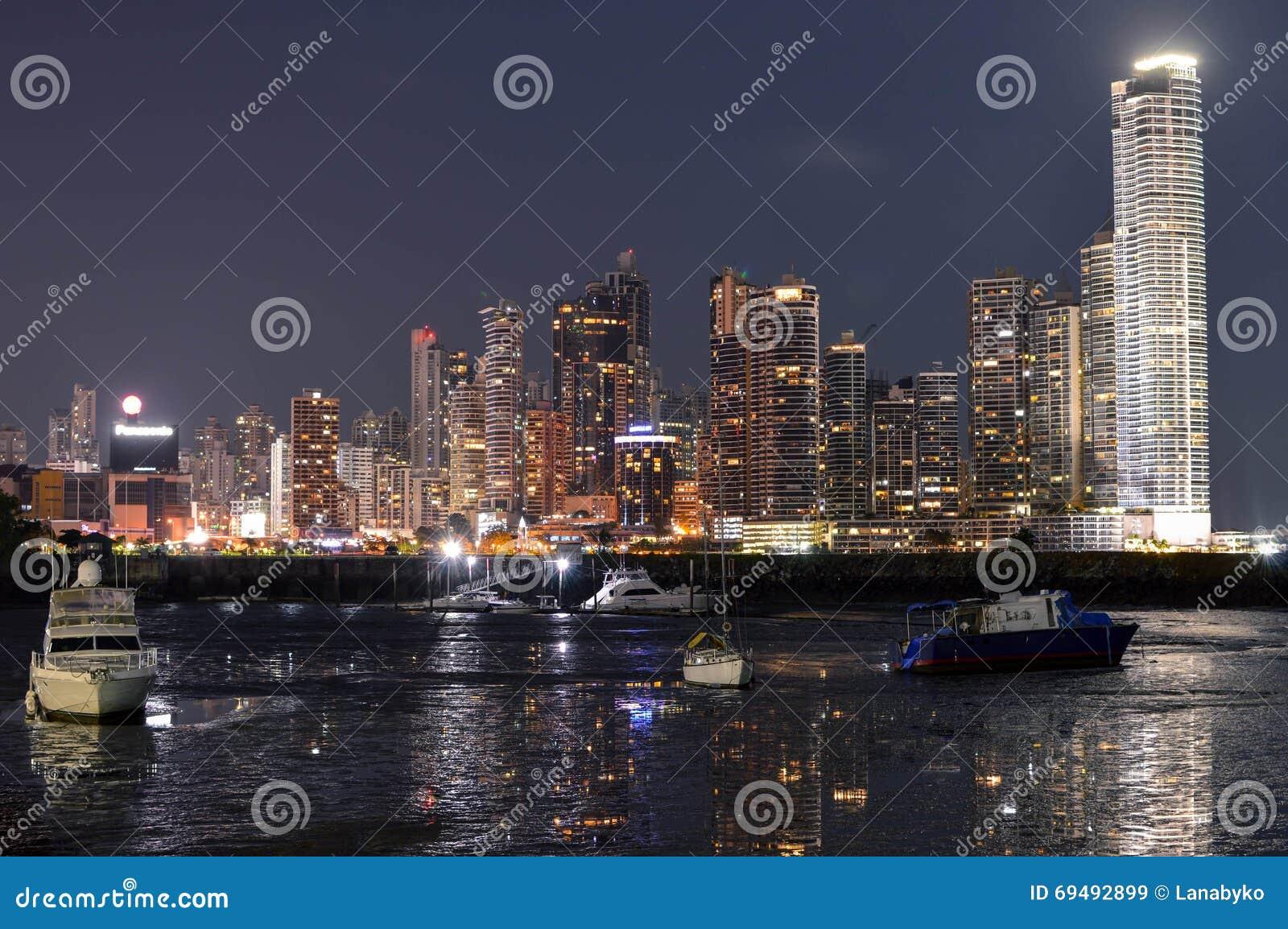 Paysage Urbain De Nuit De Panamá City, Panama, Amérique Centrale Image stock  -> Amérique Ville Nuit