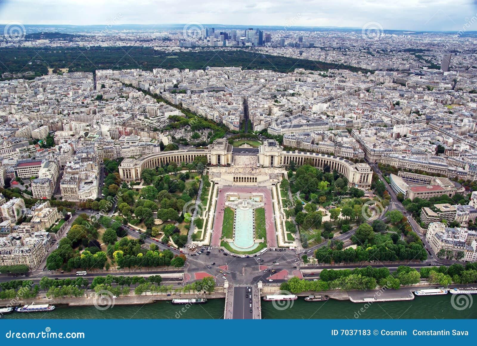 Paysage urbain de paris image stock image du cruise for Paris paysage