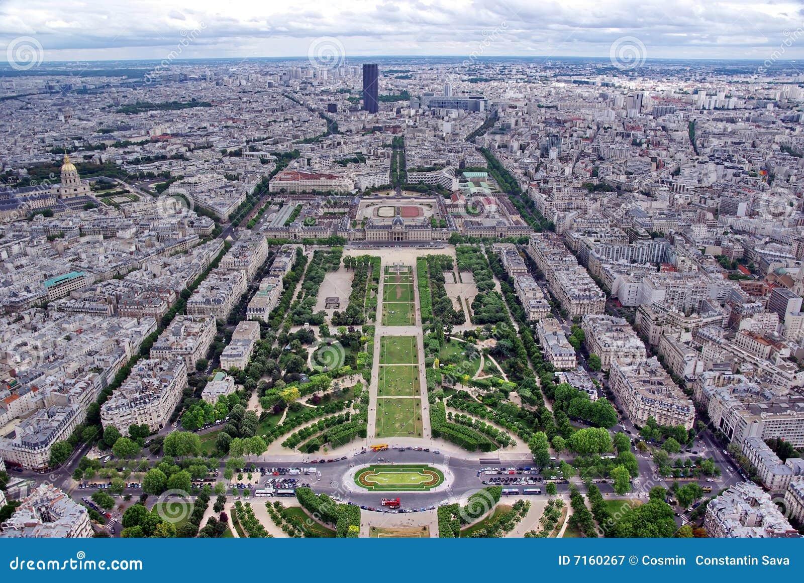 Paysage urbain de paris photographie stock libre de droits for Paris paysage