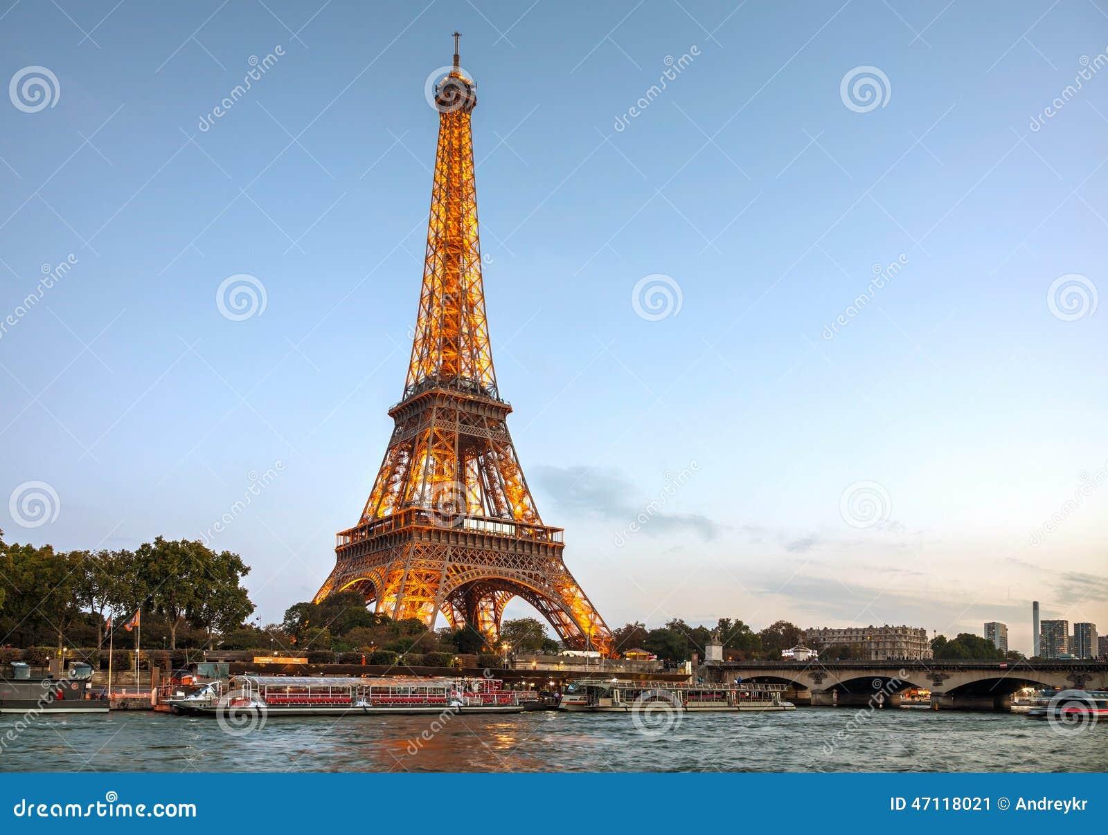 Paysage urbain de paris avec tour eiffel photo ditorial for Paris paysage