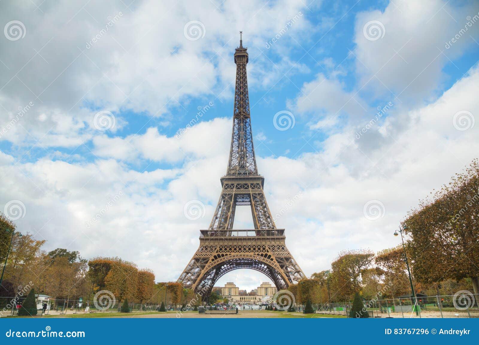 Paysage urbain de paris avec tour eiffel photo stock for Paris paysage