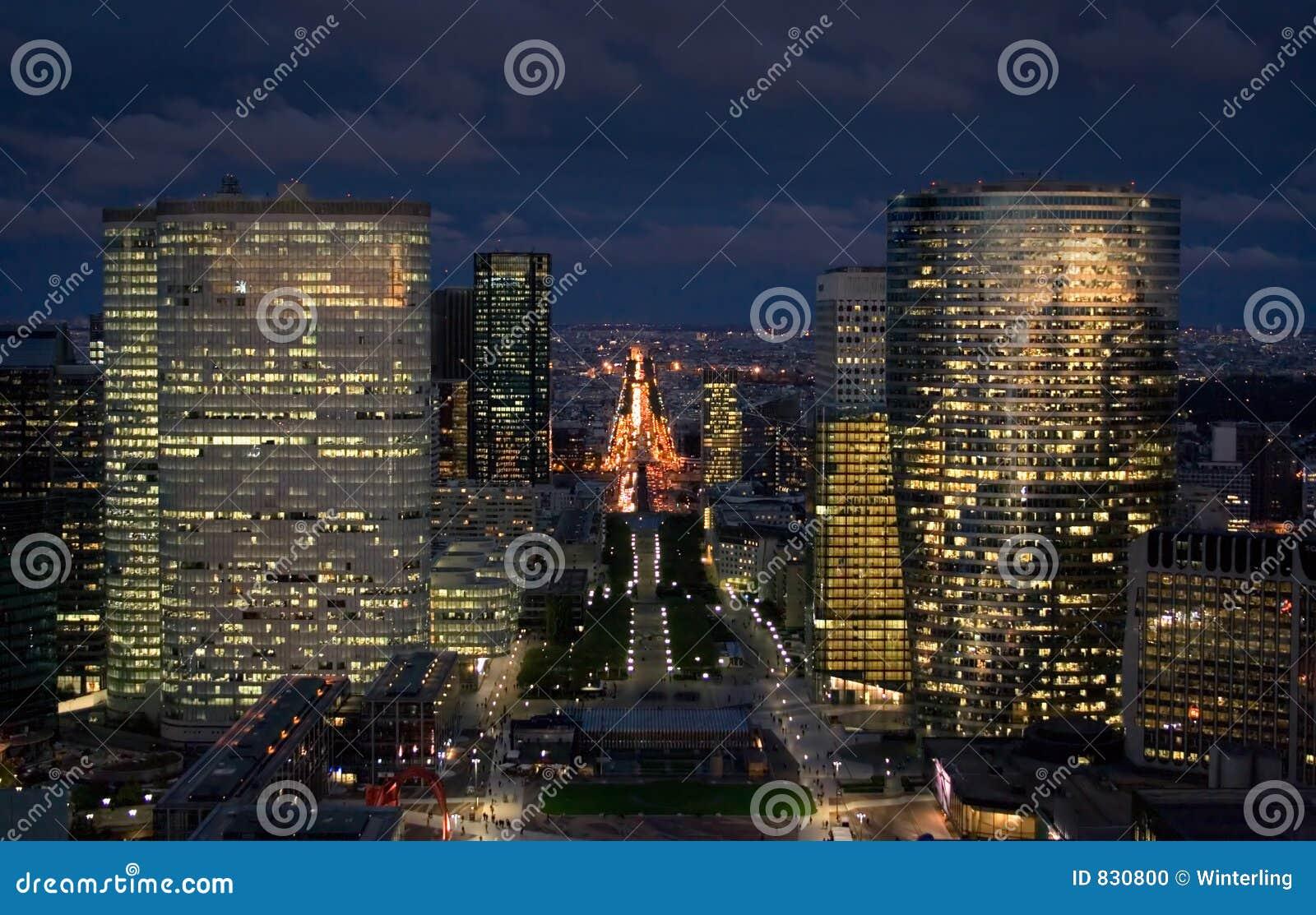 Paysage urbain de paris la nuit photo stock image 830800 for Paris paysage