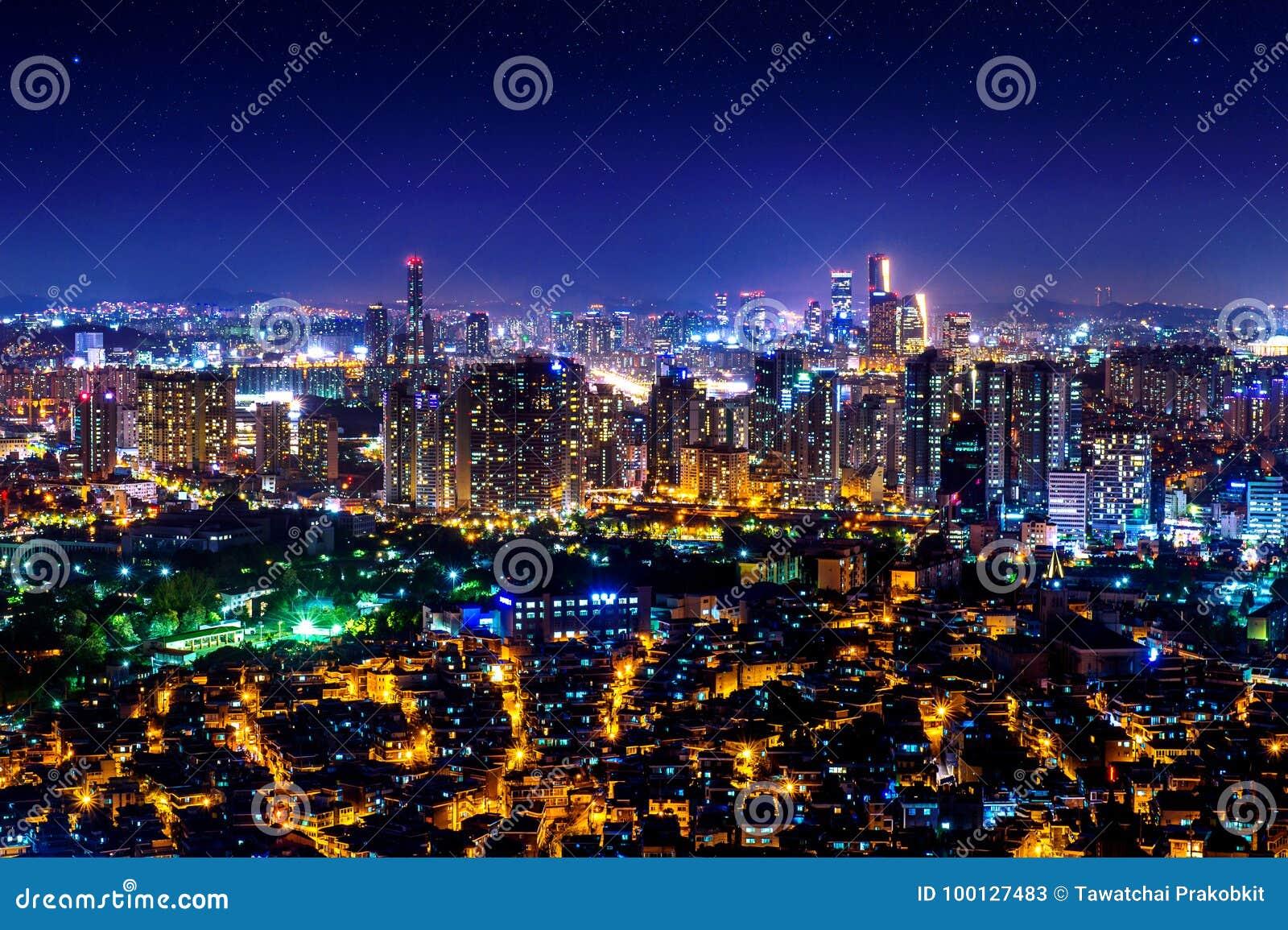 Paysage urbain la nuit à Séoul, Corée du Sud