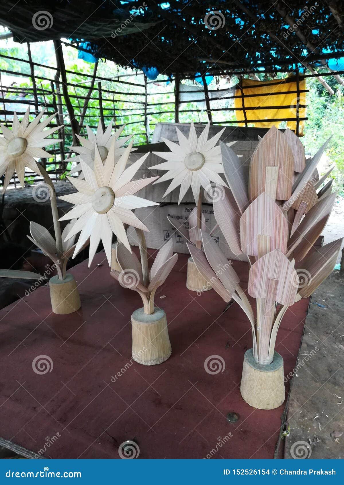 Paz creativa del arte de la madera