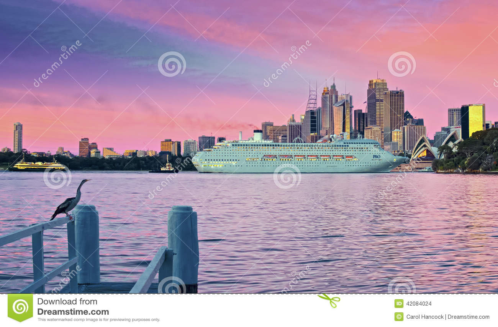 Pazifisches Juwel, das in Sydney Harbour ankommt