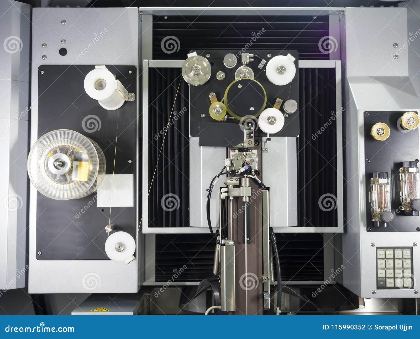 Peças do molde do corte de máquina do corte do fio do CNC