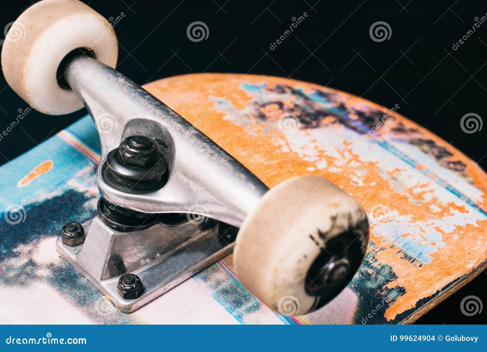 Peças Do Skate No Fundo Preto Foto de Stock - Imagem de boarding ... 177761d332a