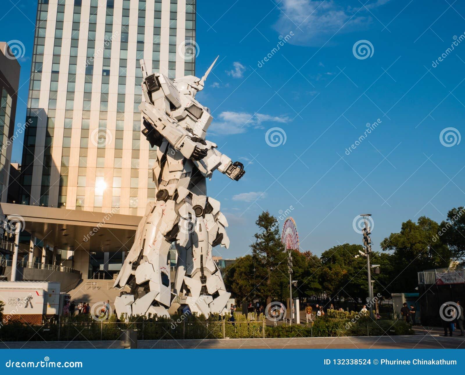 Pełnych rozmiarów RX-0 Gundam jednorożec przy nurka miasta Tokio placem w Od