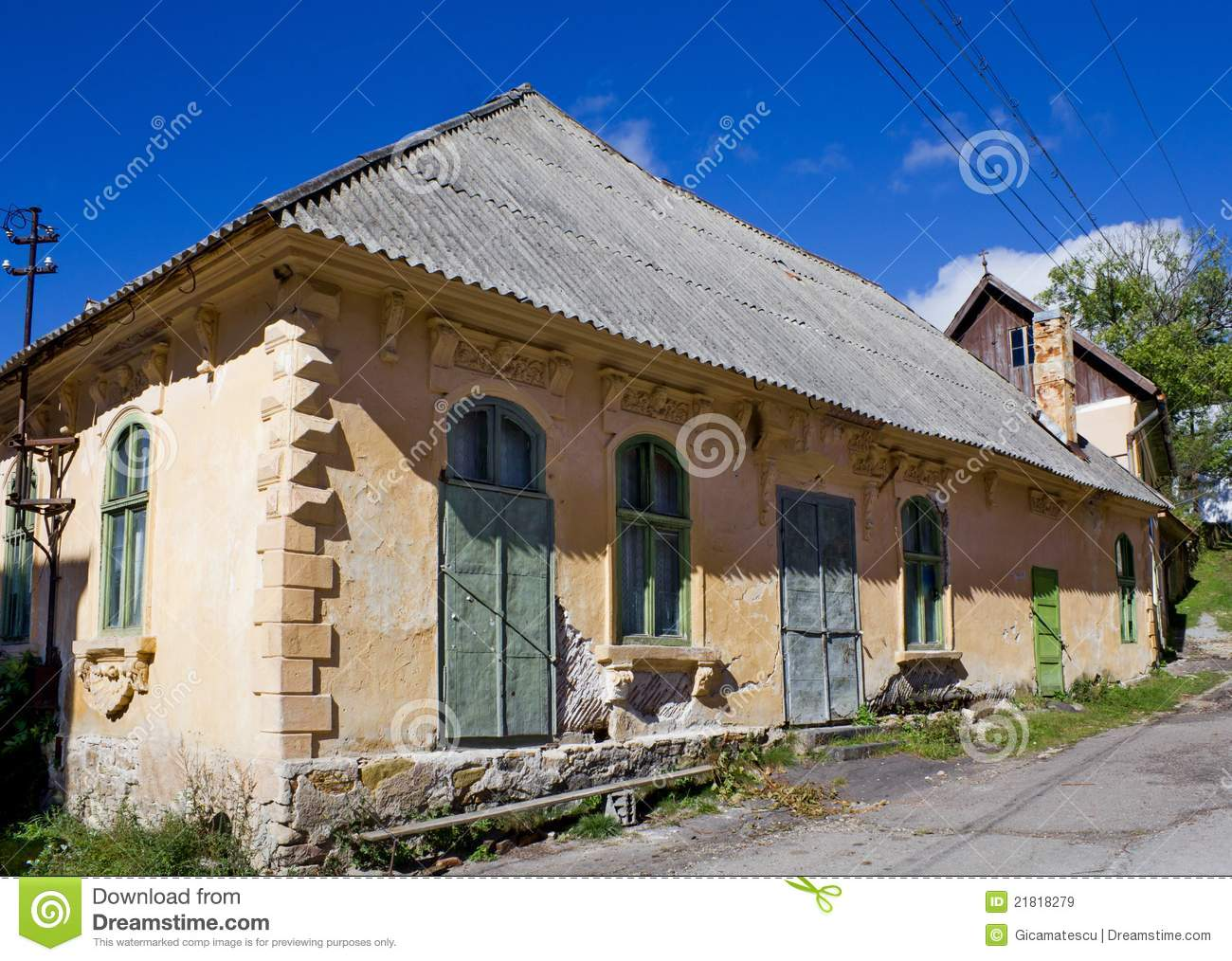 Peasant house royalty free stock images image 21818279 - Romanian peasant houses ...