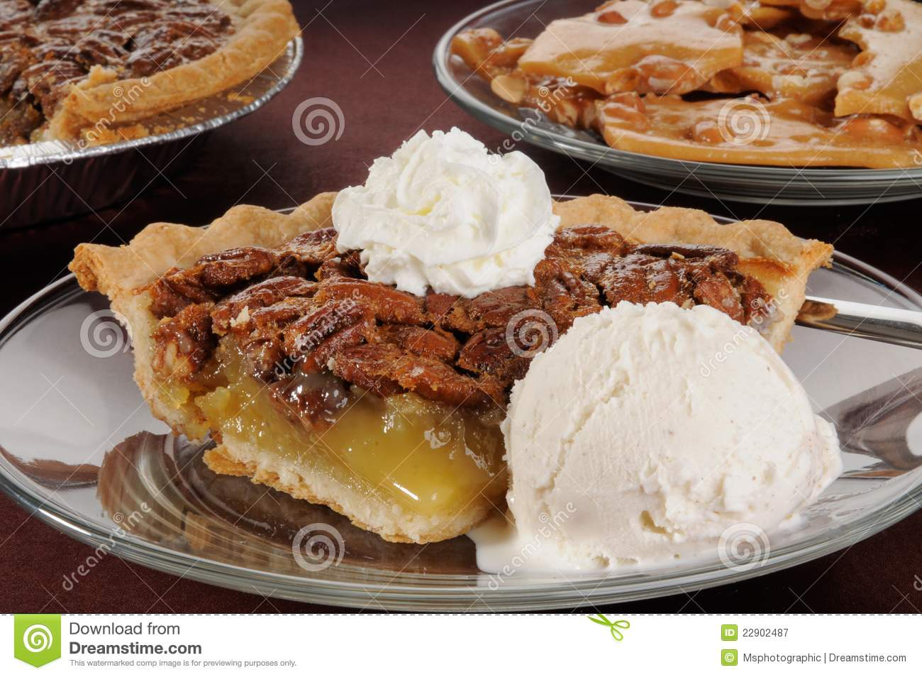 pecan-pie-ice-cream-22902487.jpg