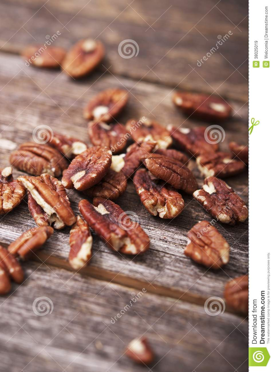 how to keep pecans fresh