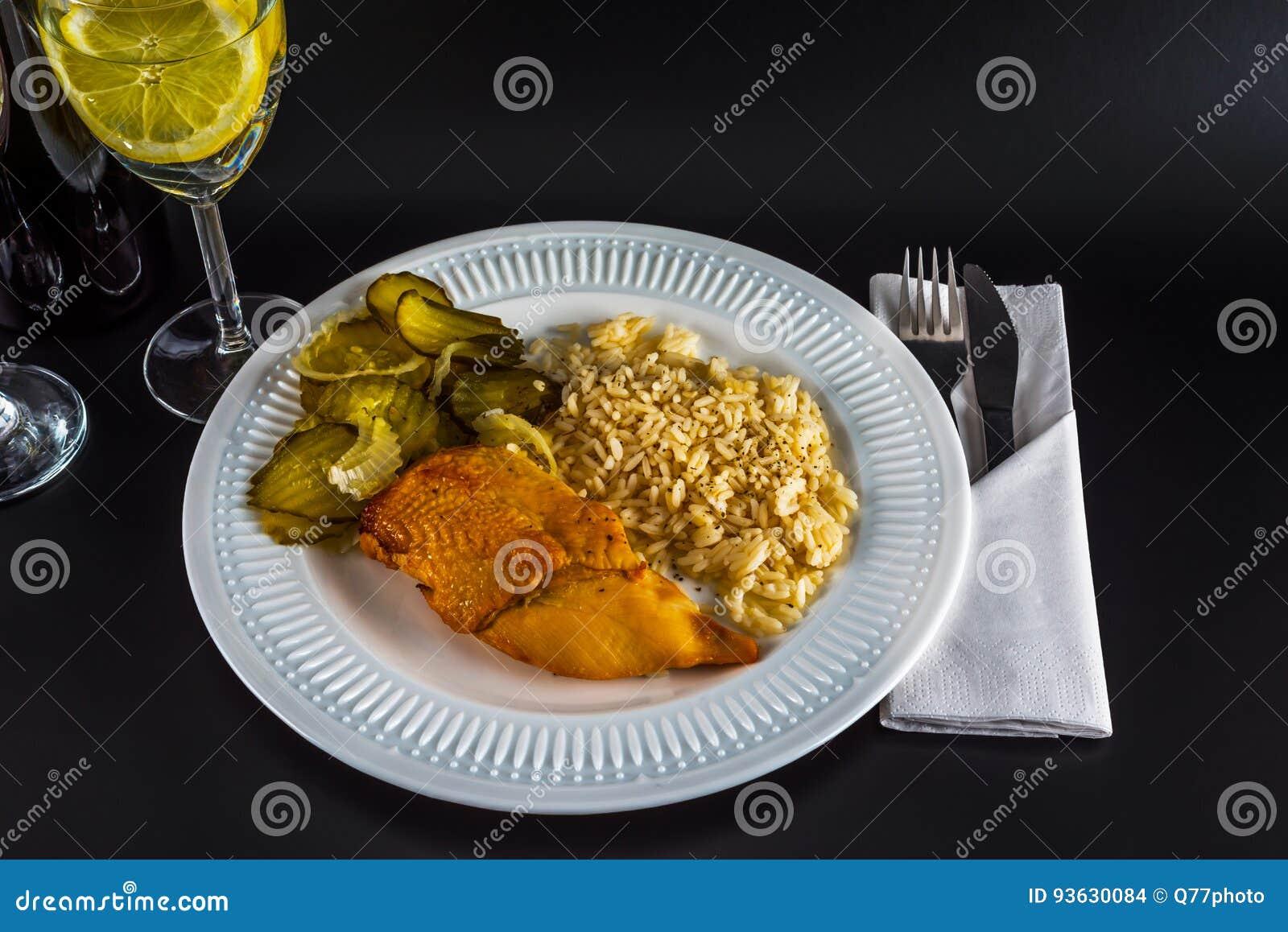 Dieta del arroz y agua