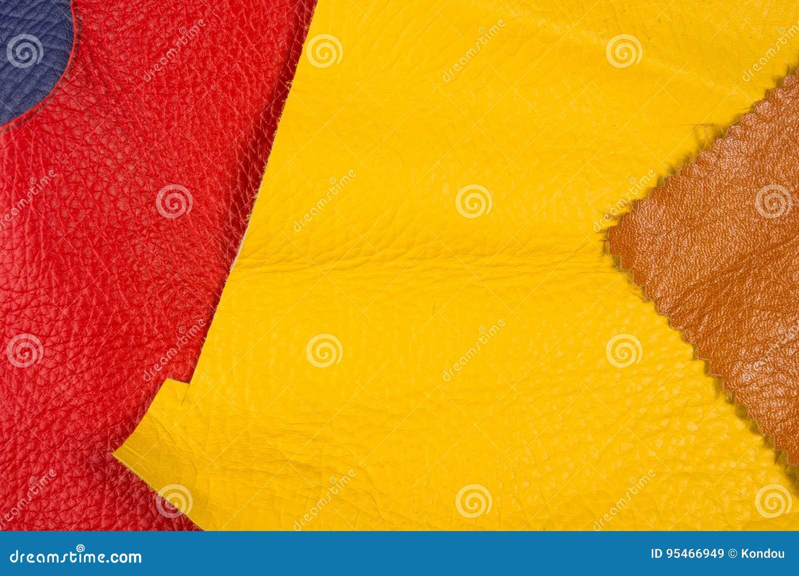 Pedazos coloreados, y pedazos del cuero natural