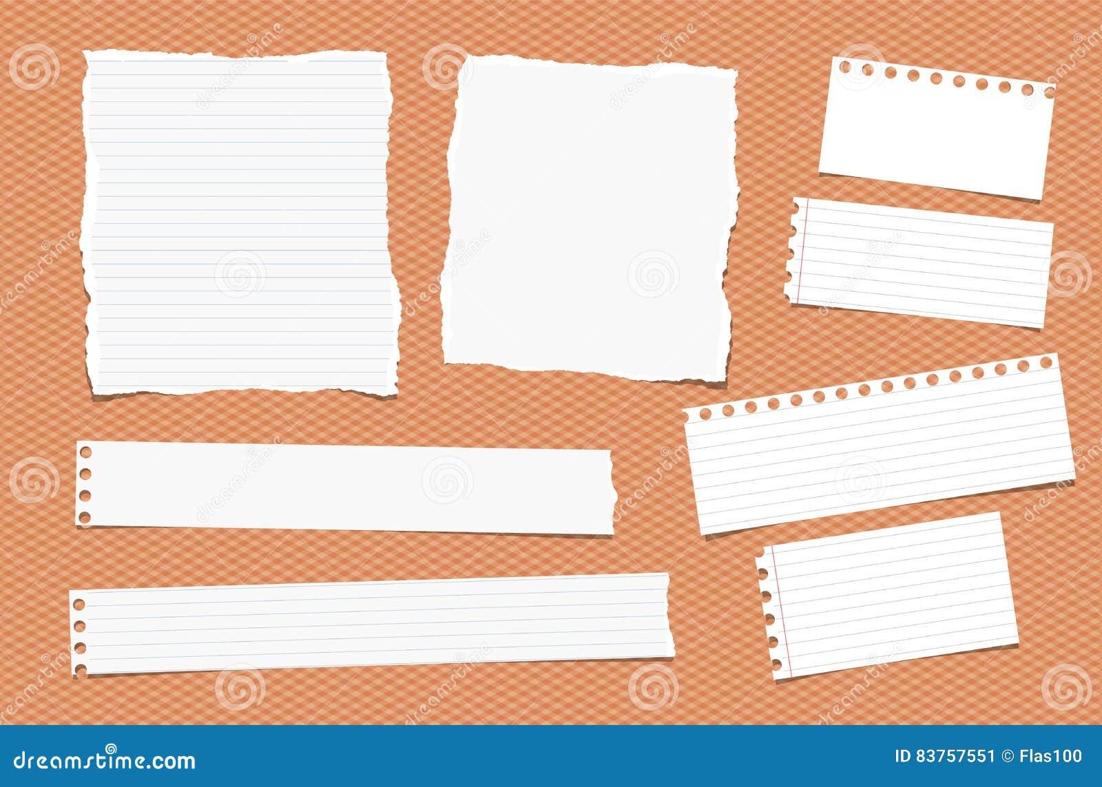 Pedazos de nota blanca rasgada de diverso tamaño, cuaderno, hojas de papel del cuaderno
