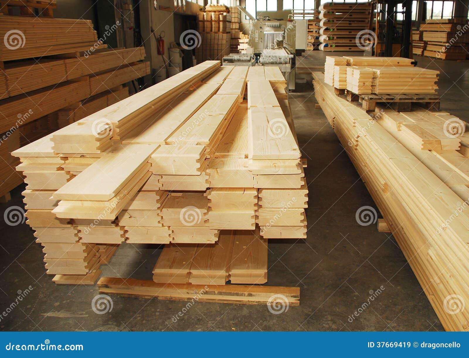 Pedazos prefabricados de madera de la casa en f brica imagen de archivo imagen de nuevo - Fabrica de casas de madera ...