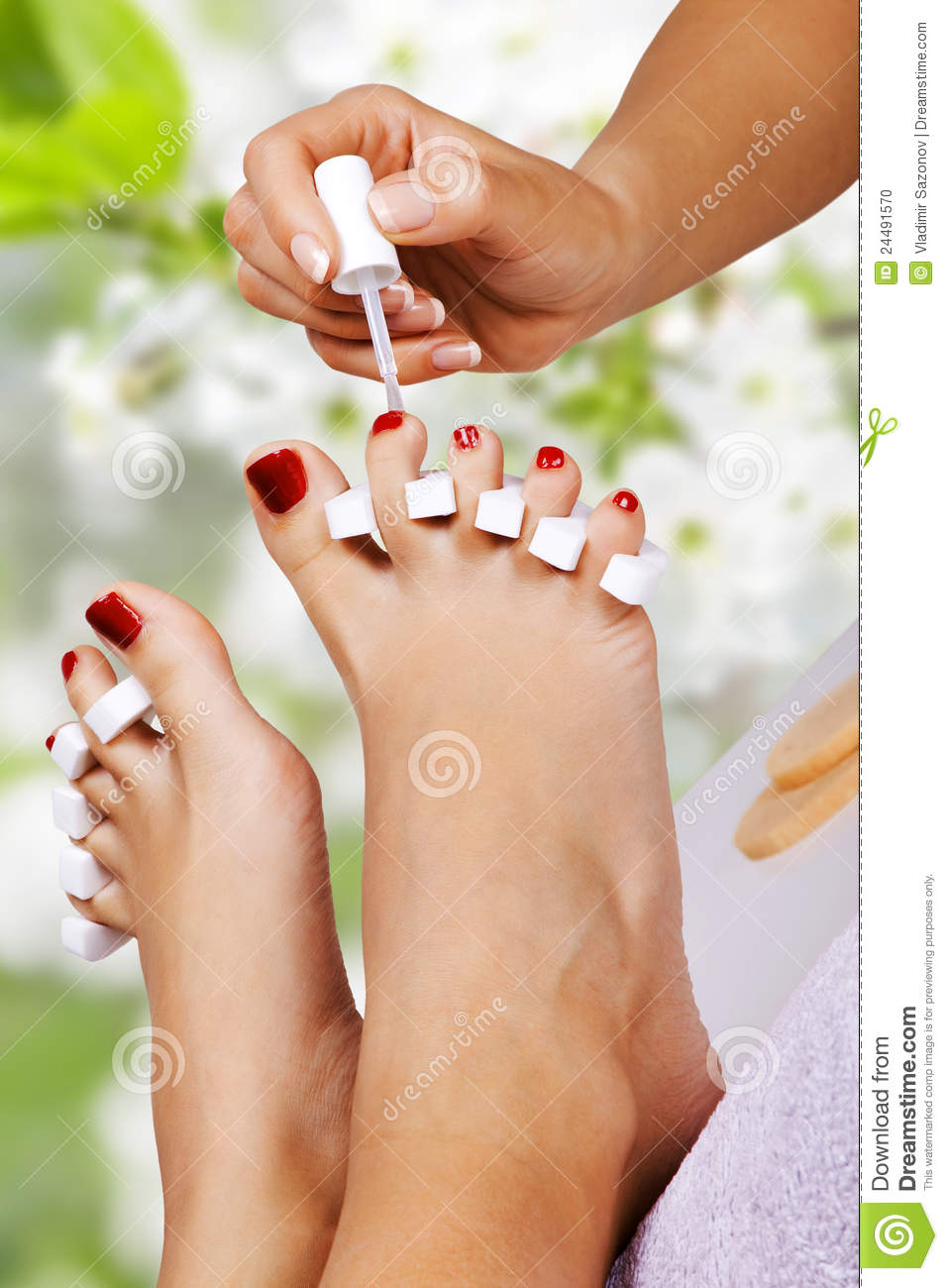 Pedicure dans le salon de station thermale photo stock for Salon de pedicure