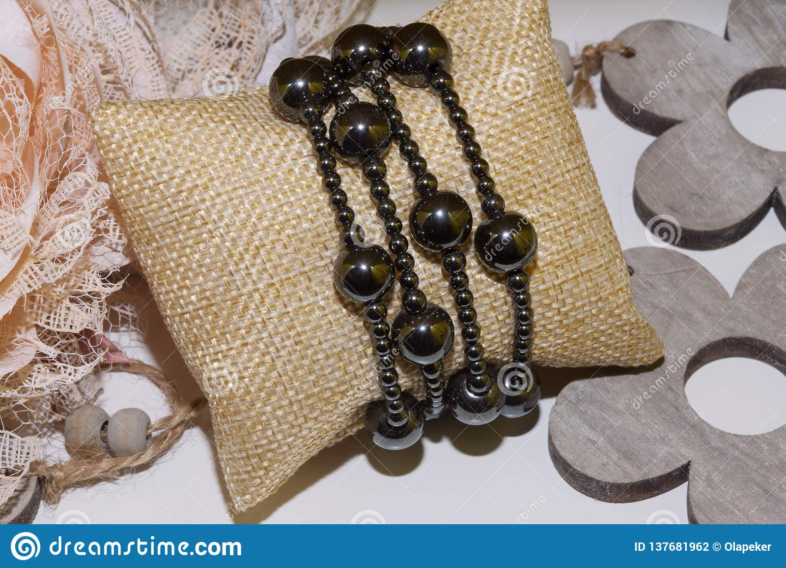 Pedra natural do bracelete do hematita