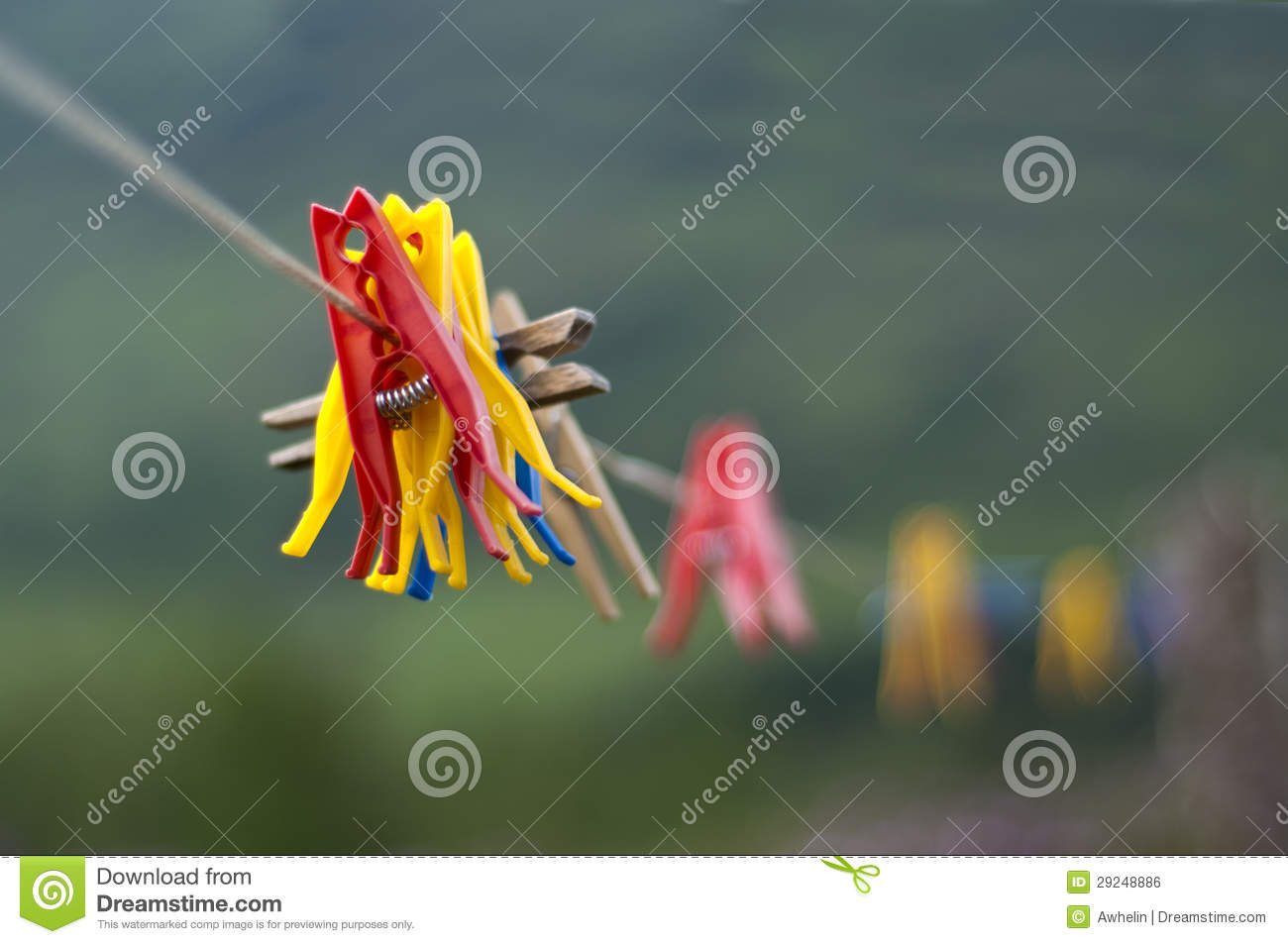 Download Pegs foto de stock. Imagem de higiene, clothesline, azul - 29248886