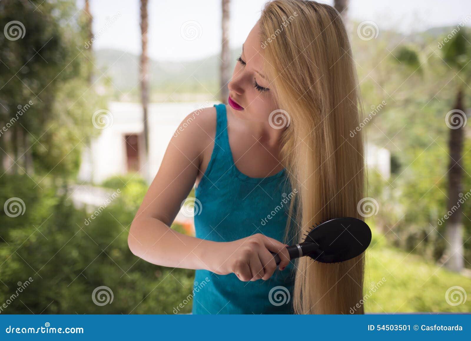 Peignée du cheveu