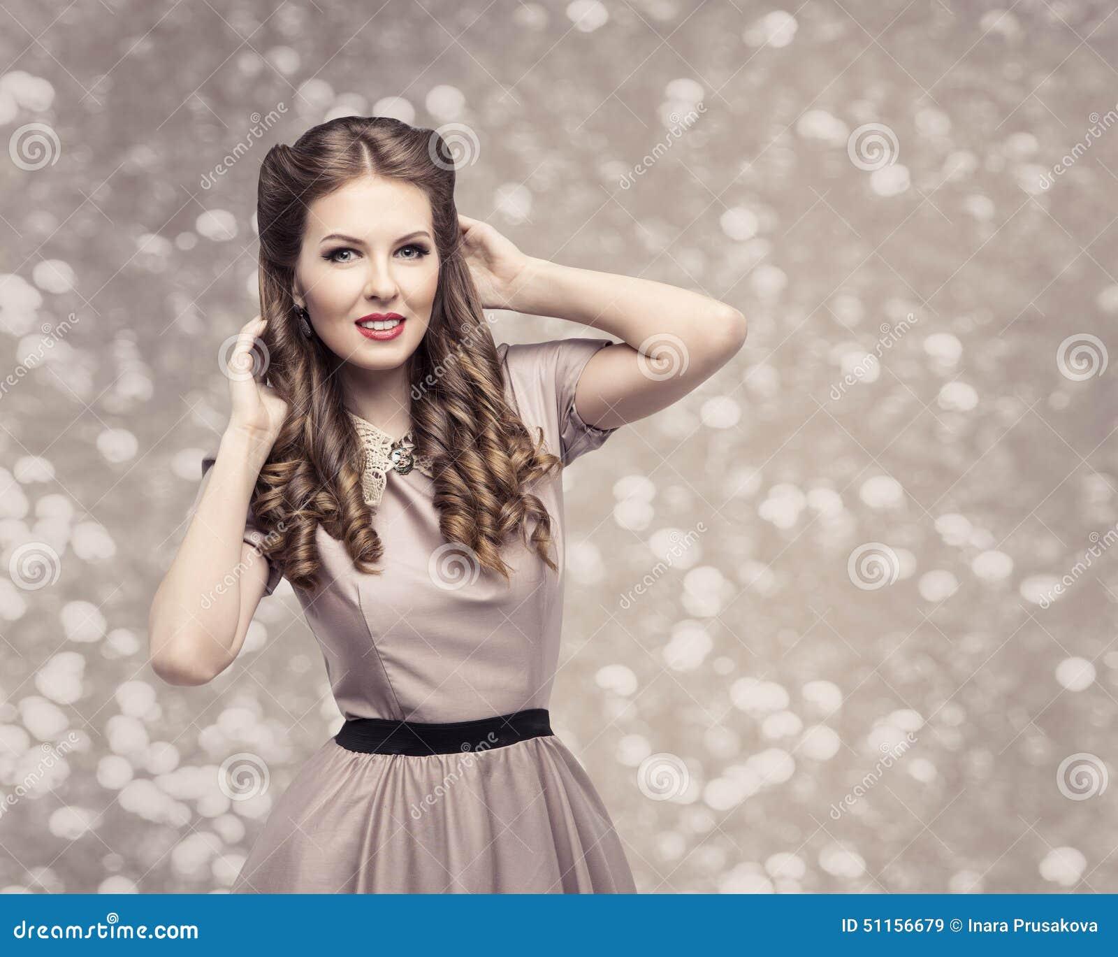 Peinado Retro De La Mujer Pin Up Girl Portrait Modelo Elegante
