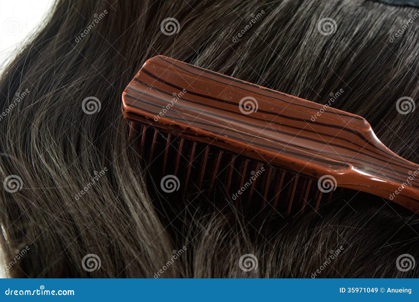 Peine, cepillo para el pelo y pelo
