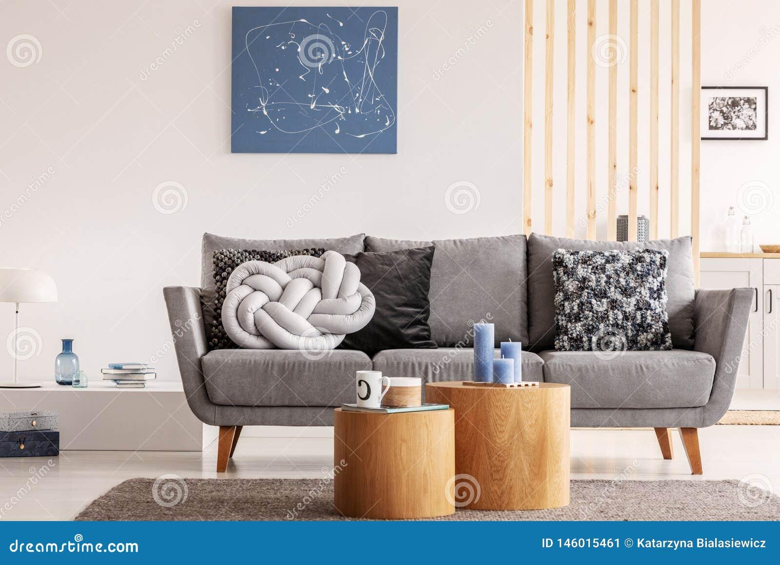 Peinture Bleue Sur Le Mur Blanc Du Salon Contemporain
