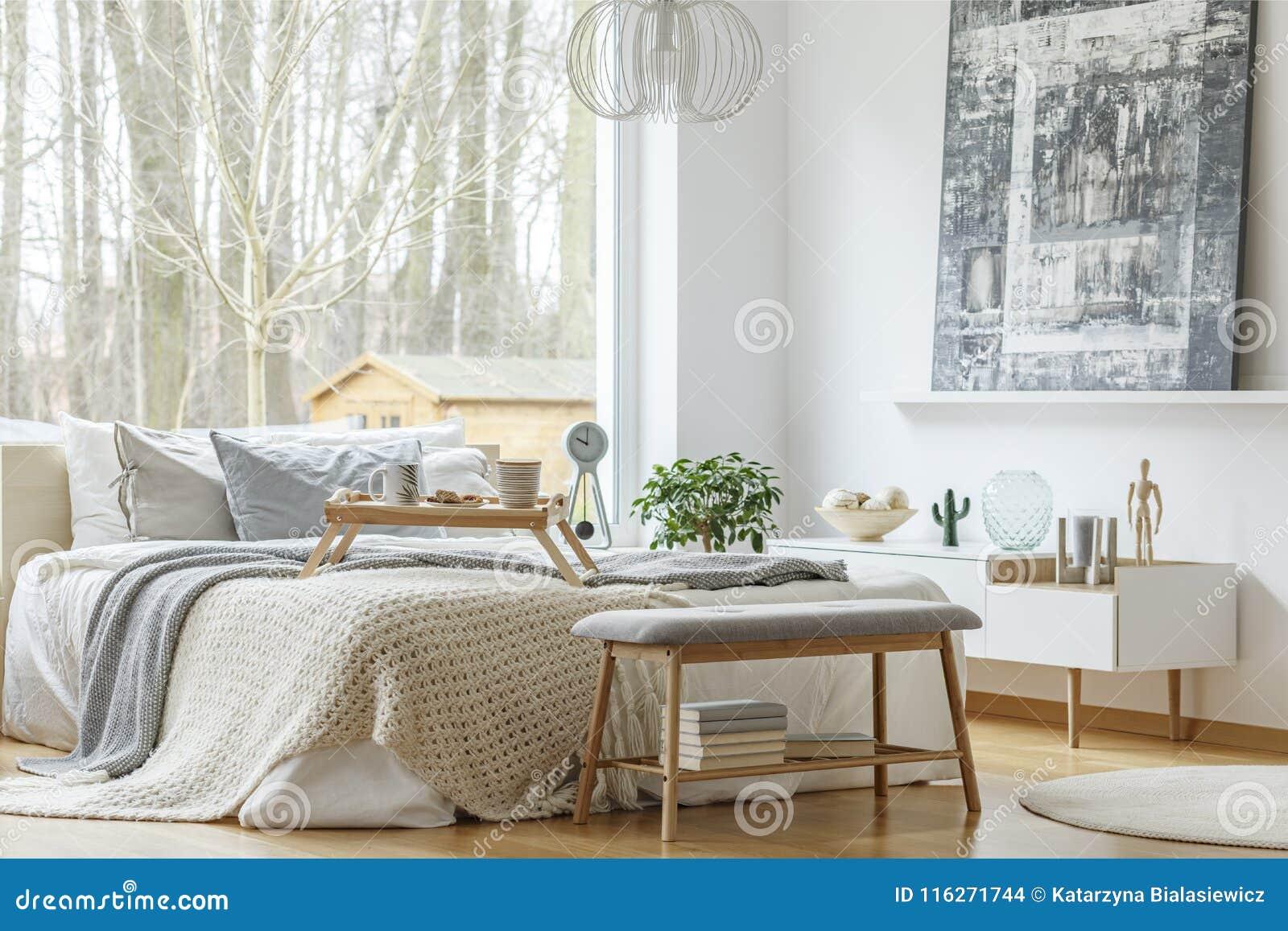 Chambre A Coucher Peinture Gris peinture dans l'intérieur moderne de chambre à coucher photo