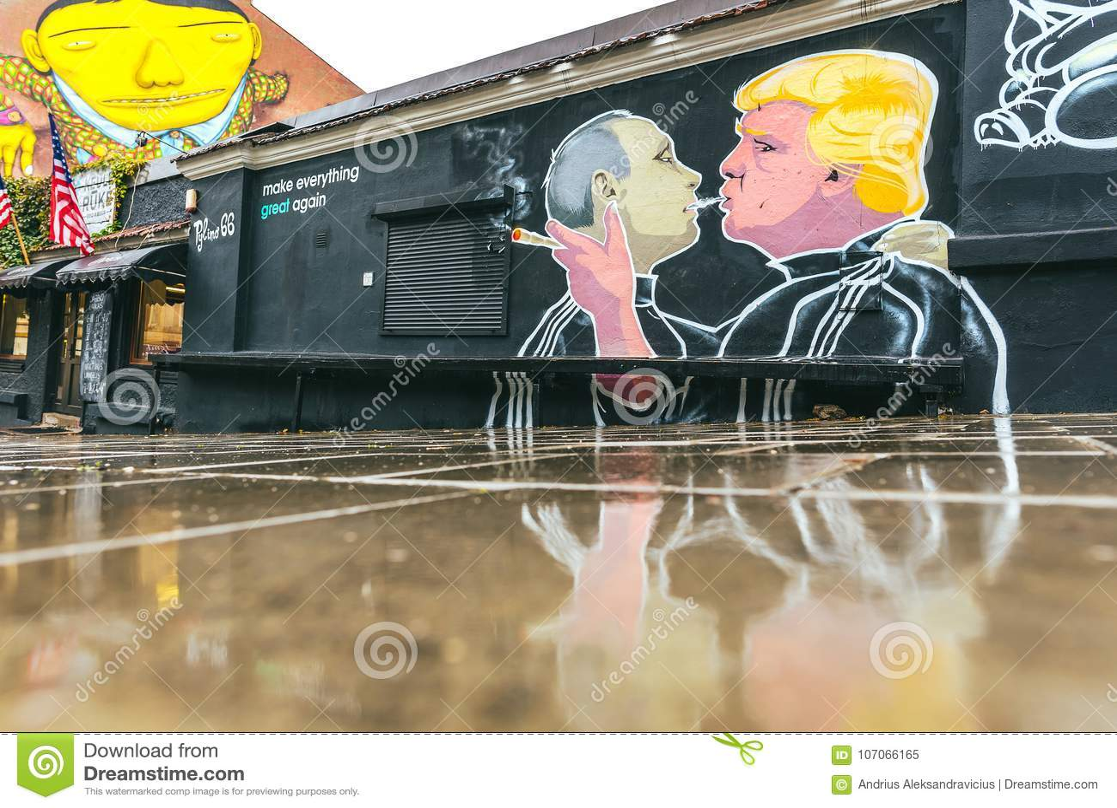 Peinture murale de baiser de Donald Trump Vladimir Putin