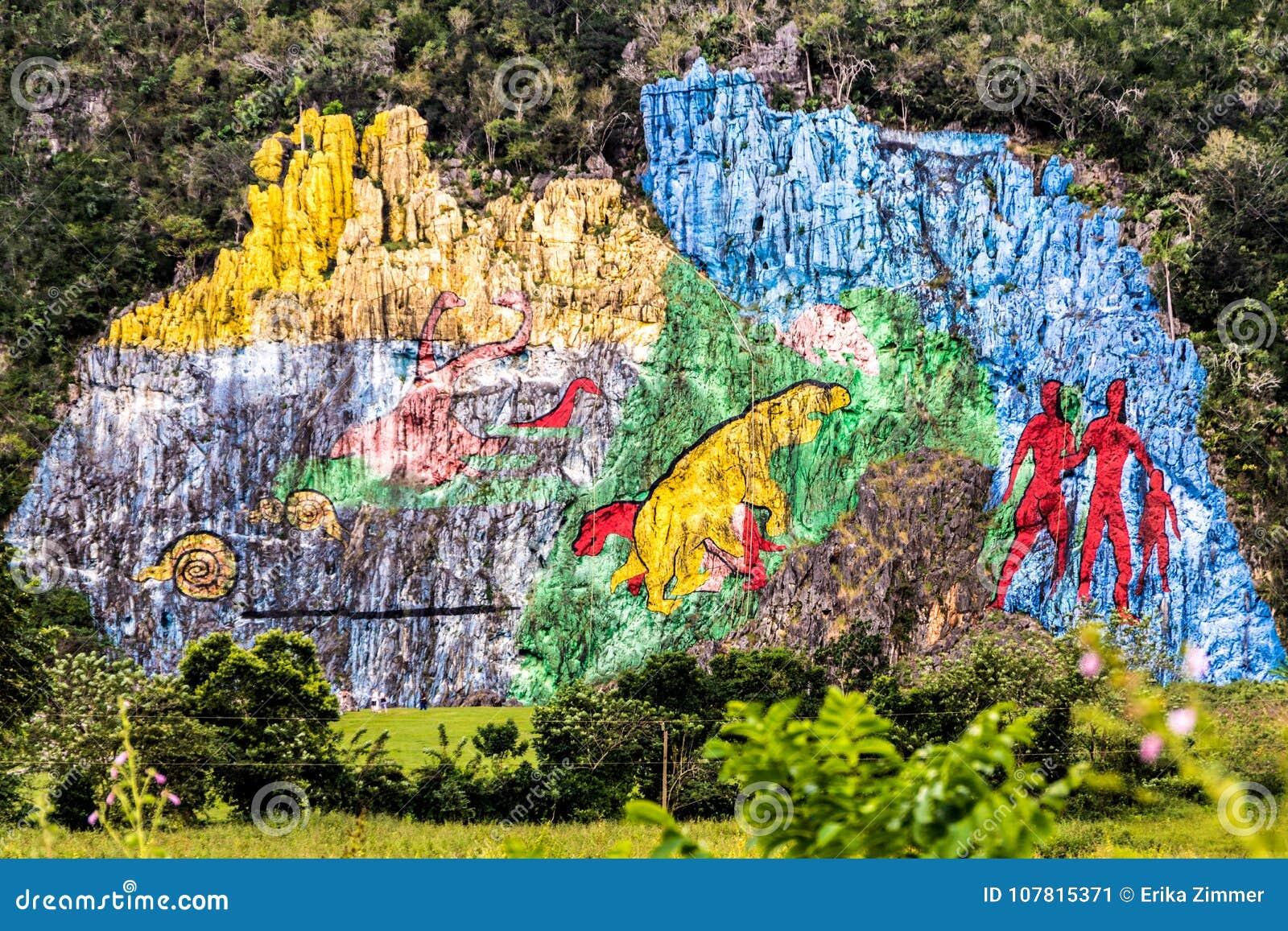 Peinture murale de préhistoire dans la vue de vallée de bières anglaises de ½ de ¿ de Viï au Cuba Nature irréelle avec des lacs,