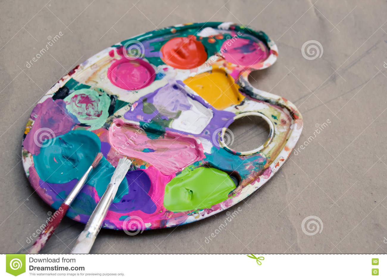 Peinture palette et brosses d 39 art photo stock image for Peinture palette